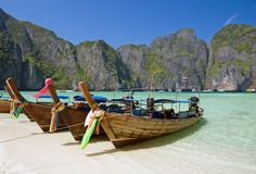 Famous Maya bay of Phi-phi Leh island. Krabi province, Thailand Royalty Free Stock Photos