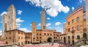 Famous Piazza del Duomo en San Gimignano histórico, Toscana, Italia Fotografía de archivo libre de regalías