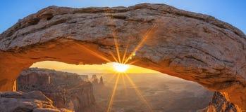 Famous sunrise at Mesa Arch. In Canyonlands National Park near Moab, Utah, USA Royalty Free Stock Photos