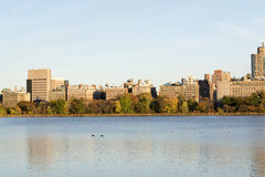 The famous Upper East Side photographied from the Jacqueline Ken. From the Jacqueline Kennedy Onassis reservoir are some of the most iconic views of NYC Stock Image