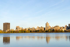 The famous Upper East Side photographied from the Jacqueline Ken. From the Jacqueline Kennedy Onassis reservoir are some of the most iconic views of NYC Stock Photos