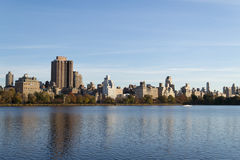The famous Upper East Side photographied from the Jacqueline Ken. From the Jacqueline Kennedy Onassis reservoir are some of the most iconic views of NYC Stock Photo