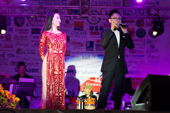 Famous Vietnamese MC. Famous Nguyễn Cao Kỳ Duyên on the left, and Thanh Tùng on the right, performing at the Vietnamese Tet Festival 2015 at Santa Clara Stock Photos