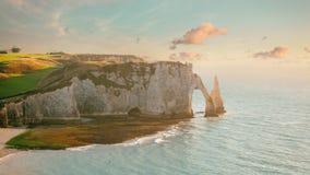 Famouse Etretat曲拱岩石,法国 免版税库存图片