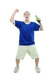 Fanático del fútbol emocionado con una cerveza en su mano Fotografía de archivo libre de regalías
