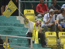 Fanático del fútbol inusualmente agujereado Imagen de archivo