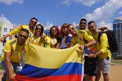 fanáticos del fútbol de Colombia imagen de archivo