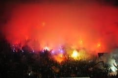 Fanáticos del fútbol que celebran meta Fotografía de archivo