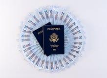 Fan circolare degli euro e dei passaporti Fotografia Stock