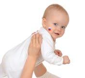 Fan d'enfant en bas âge de fille d'enfant de bébé d'enfant avec le logo russe de drapeau national Images libres de droits