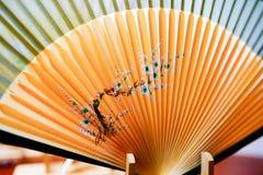 Fan de bambú tradicional china imagenes de archivo