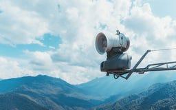 Fan de machine de générateur de neige dans les mountans Images libres de droits