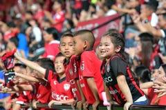 Fan del fútbol Tailandia en el fútbol internacional Invi de Bangkok Imágenes de archivo libres de regalías
