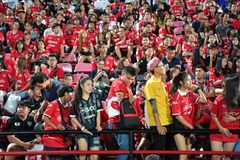Fan del fútbol Tailandia en el fútbol internacional Invi de Bangkok Fotografía de archivo libre de regalías
