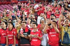 Fan del fútbol Tailandia en el fútbol internacional Invi de Bangkok Imagen de archivo libre de regalías