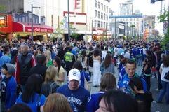 Fan di hockey di Vancouver Canucks su Granville Street Fotografia Stock