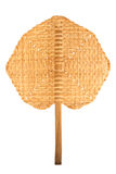 Fan faite main traditionnelle dans le modèle croisé du bambou sur le blanc Images libres de droits