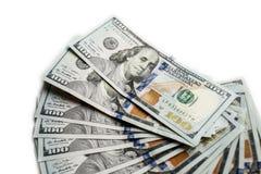Fan nowi sto dolarowych rachunków odizolowywających na białym tle zamkniętym w górę obrazy stock