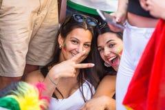 Fan portoghesi durante la video traduzione della partita di calcio Portogallo - finale della Francia del campionato europeo 2016 Fotografia Stock