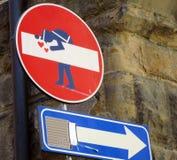 Fanale di arresto di Europa con i graffiti fotografie stock libere da diritti