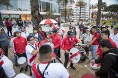 Fanatisme in Peru Peru versus Het Voetbal van Chili royalty-vrije stock foto