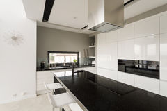 Fancy black and white kitchen Royalty Free Stock Images