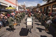 Fanfara militare nell'Ecuador Immagine Stock