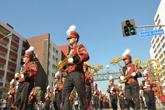 Fanfare pendant 117th Dragon Parade d'or Images stock