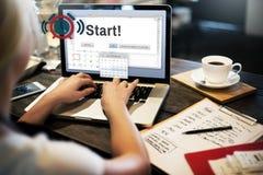 Fangen Sie an, Vorwärtsstartprodukteinführungs-erstes Aktivierungs-Konzept anzufangen stockfoto