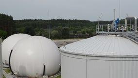 Fango dell'impianto di biogas stock footage