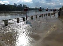 Fango y el río Potomac inundado Fotos de archivo