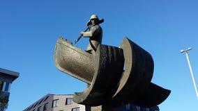 Fangst由艺术家Tromsoe 1984的Sivert Donali的og fiskerimonumentet架设的skipperforening 库存照片