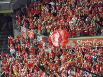 Fans de club du football de Liverpool photo libre de droits