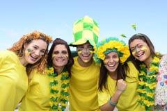Fans de foot brésiliens commémorant. Photo stock
