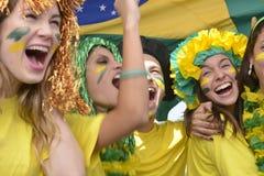 Fans de foot brésiliens commémorant la victoire Images libres de droits