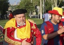 Fans de foot espagnols non identifiés avant match de l'EURO 2012 de l'UEFA dedans Photographie stock libre de droits