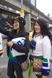 Fans de hockey preciosas de los Vancouver Canucks Fotos de archivo