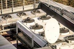 Fans för det betingande systemet för luft av fakulteten av Mathemati royaltyfri foto