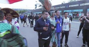 Fans för fotbollsmatchen lager videofilmer