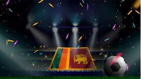 Fans halten die Flagge von Sri Lanka unter Schattenbild des Mengenpublikums im Fußballstadion mit Konfettis, um Fußballspiel zu f lizenzfreie abbildung