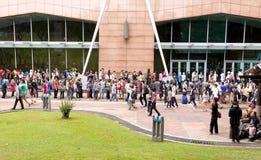 Fans que esperan esperar abriendo la fiesta cómica 2014 Foto de archivo libre de regalías