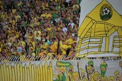 Fans von fc Kuban auf dem Podium während des Spiels Lizenzfreie Stockfotografie