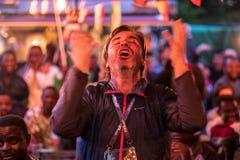 Fans während des Fußballspiel Weltcups Nigeria-Mexiko lizenzfreies stockfoto