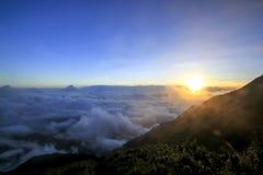 Fansipan is de hoogste berg in Vietnam royalty-vrije stock fotografie