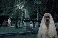 Fantômes de cimetière de zombi Photo libre de droits