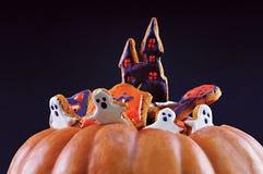 Fantômes de pain d'épice de Halloween Images stock