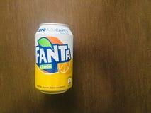 Fanta нул вкусов лимона один из самого известного carbonated напитка sof стоковые фотографии rf