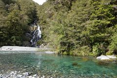 Fantail πτώσεις στο πέρασμα Νέα Ζηλανδία Haast στοκ φωτογραφία με δικαίωμα ελεύθερης χρήσης