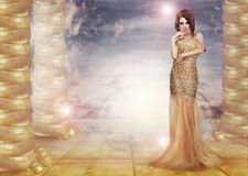 fantasi glam Lockande dam i stilfull klänning över abstrakt bakgrund Arkivfoton