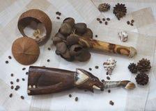 Fantasia de madeira com feijões de café Imagens de Stock Royalty Free